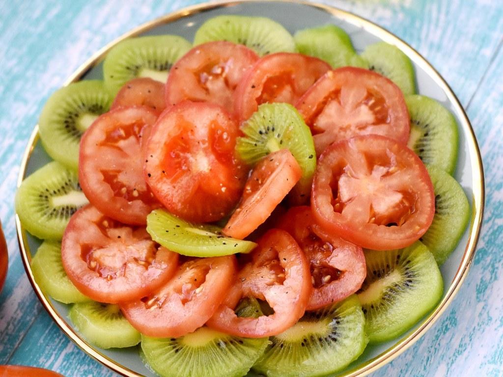 Salade de kiwis et tomates de Lili