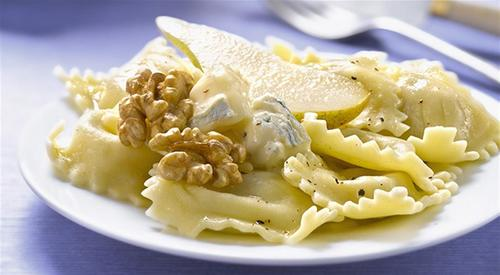 Ravioli with gorgonzola pear and walnuts