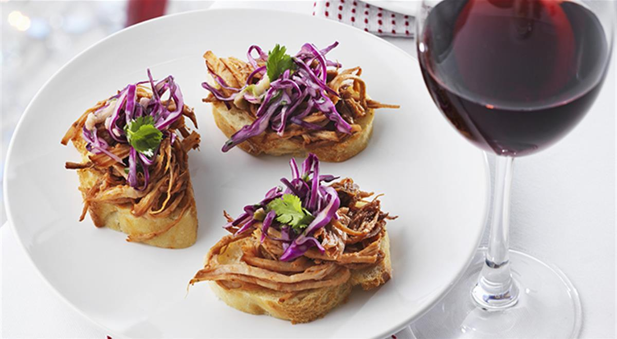 Crostini with Pork and red Cabbage