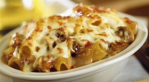 Pepper mushroom and rigatoni bake