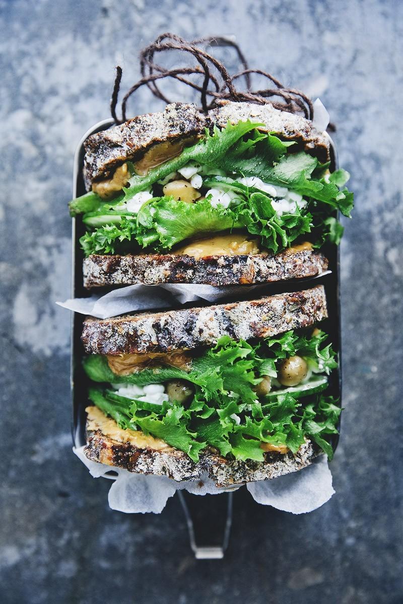 Green Peanut Butter Sandwich + Smoothie