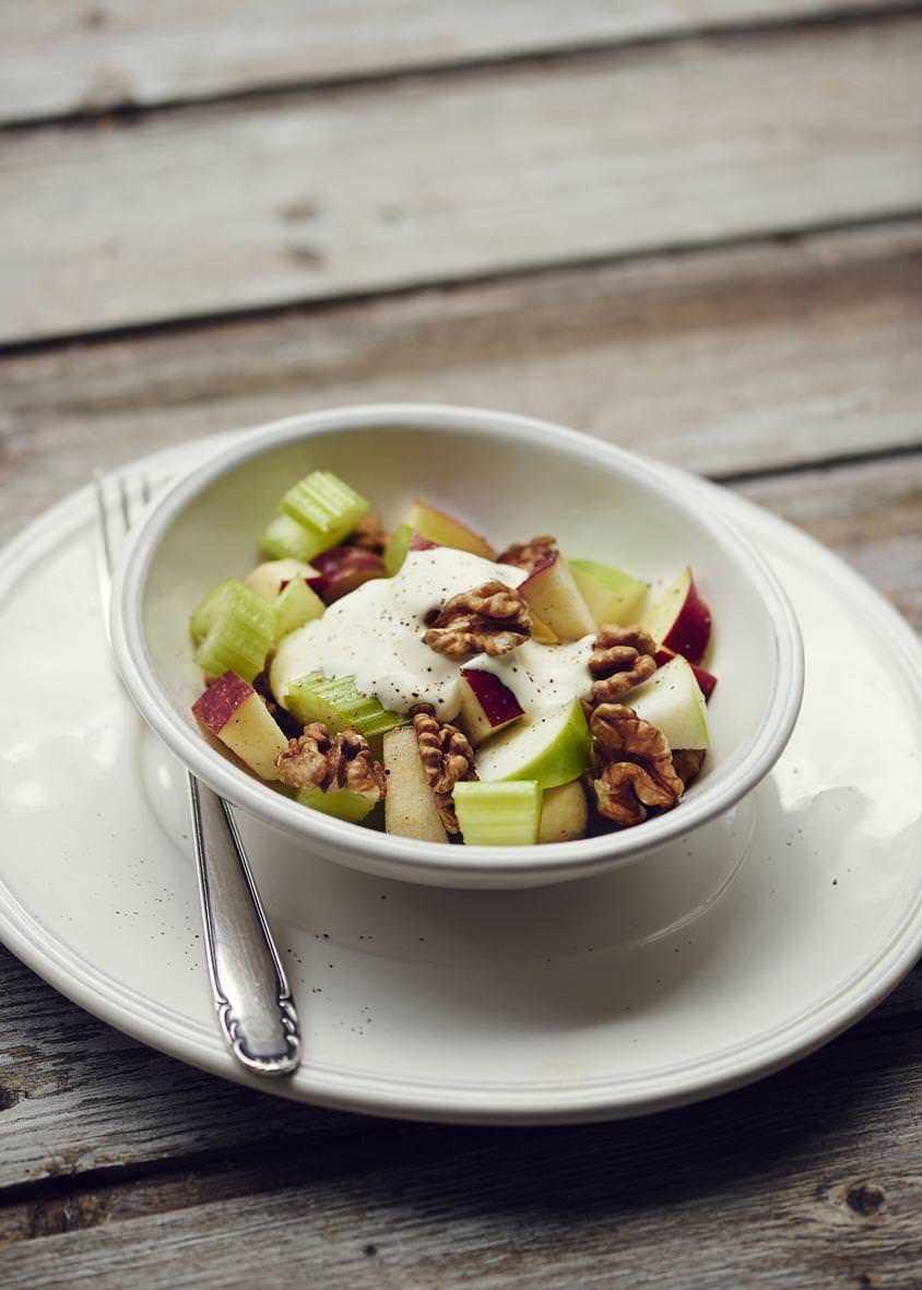 Rezept: Original «Waldorf-Salat» aus New York | NZZ Bellevue