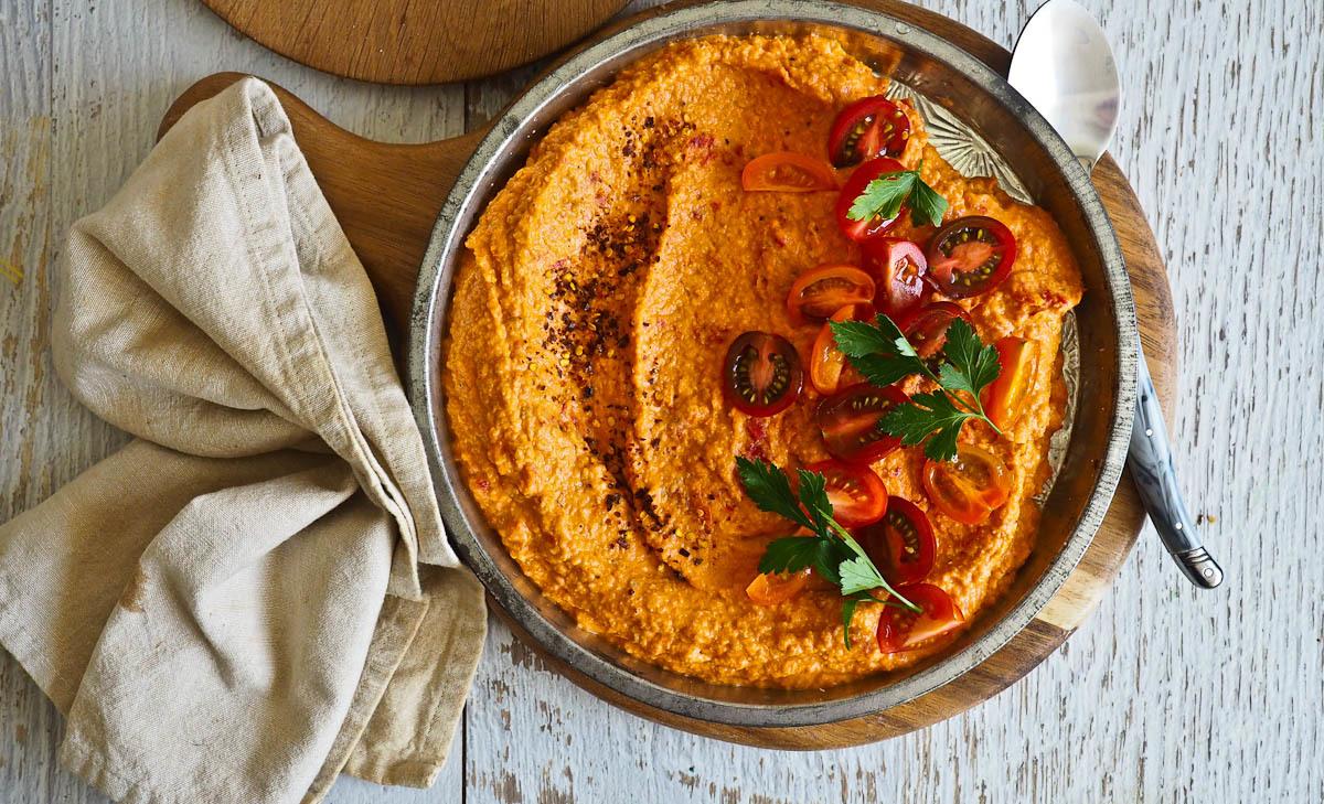 Veggie Smugglers: Tomato Hummus