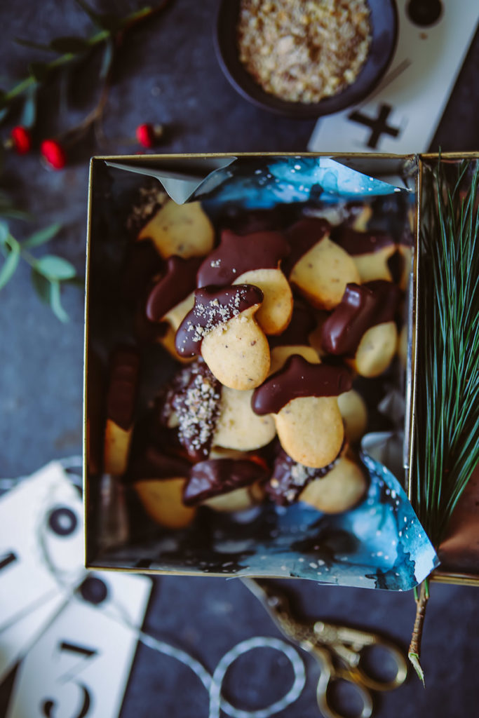 Mein liebstes Ausstechkeks-Weihnachtsplätzchen Rezept oder auch Butterplätzchen mit Haselnuss | Zucker, Zimt und Liebe