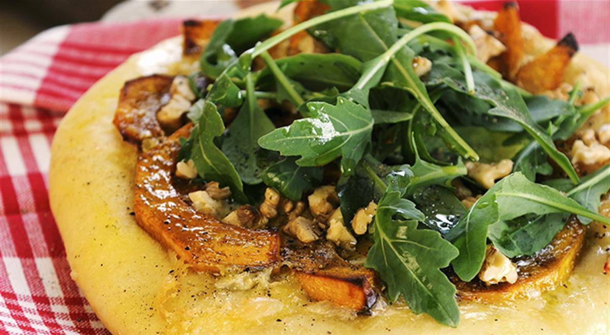 Pumpkin, gorgonzola and rocket pizza