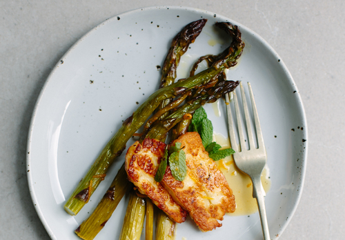 Orange roasted asparagus with halloumi mint