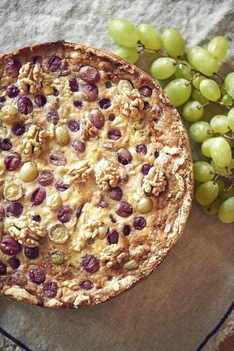 Rezept tarte mit geissenkase und trauben nzz bellevue