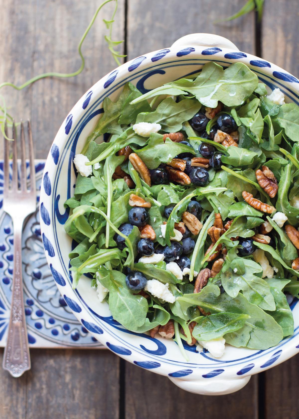 Rezepte: Rucolasalat mit Blaubeeren | NZZ Bellevue