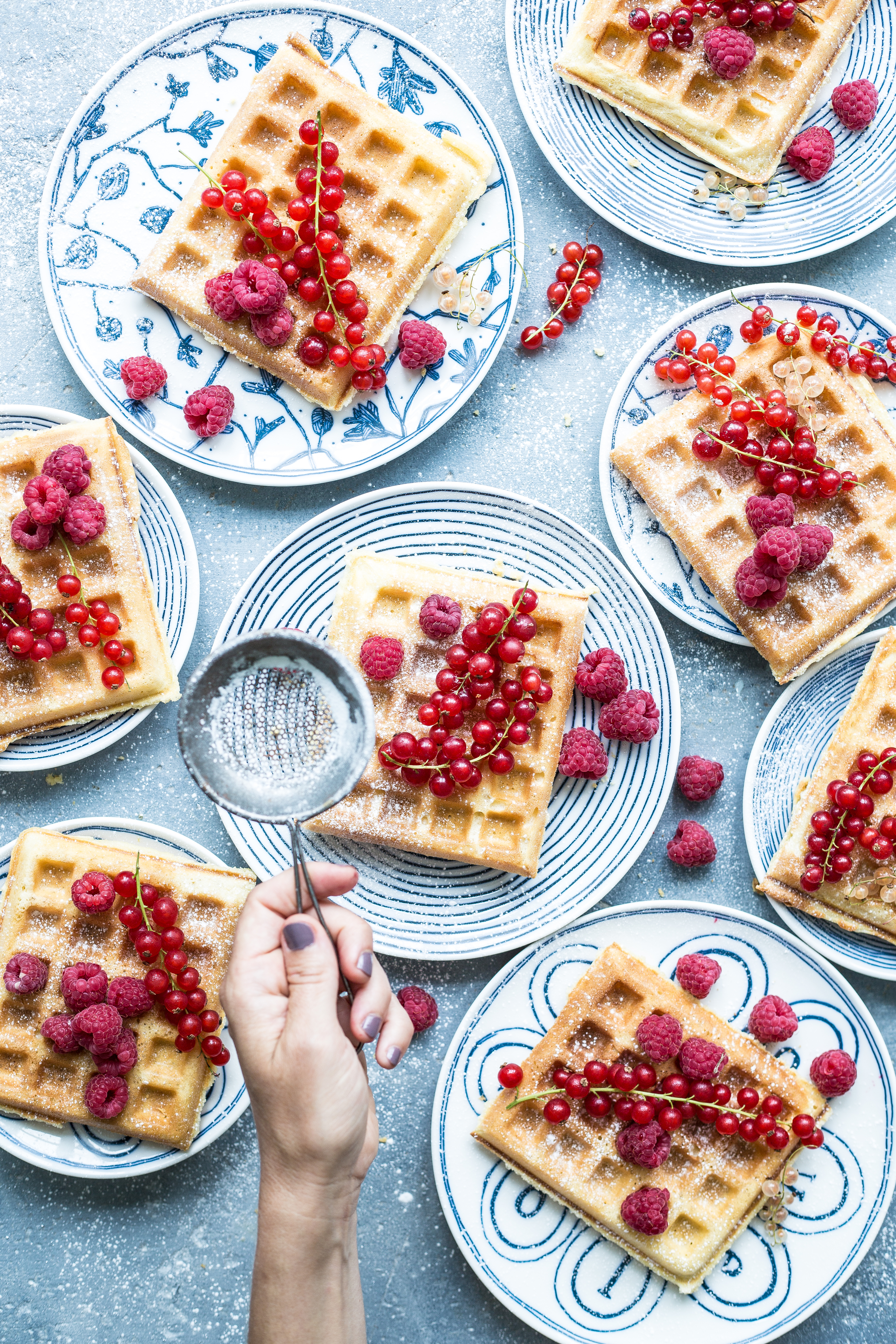 Slow mornings with Royal Doulton & Ellen DeGeneres collection + a recipe for PROPER WAFFLES – Bea's cookbook