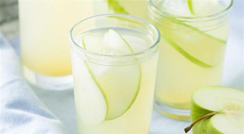 Apple and ginger lemonade