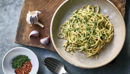BBC Food - Recipes - Spaghetti with garlic and chilli
