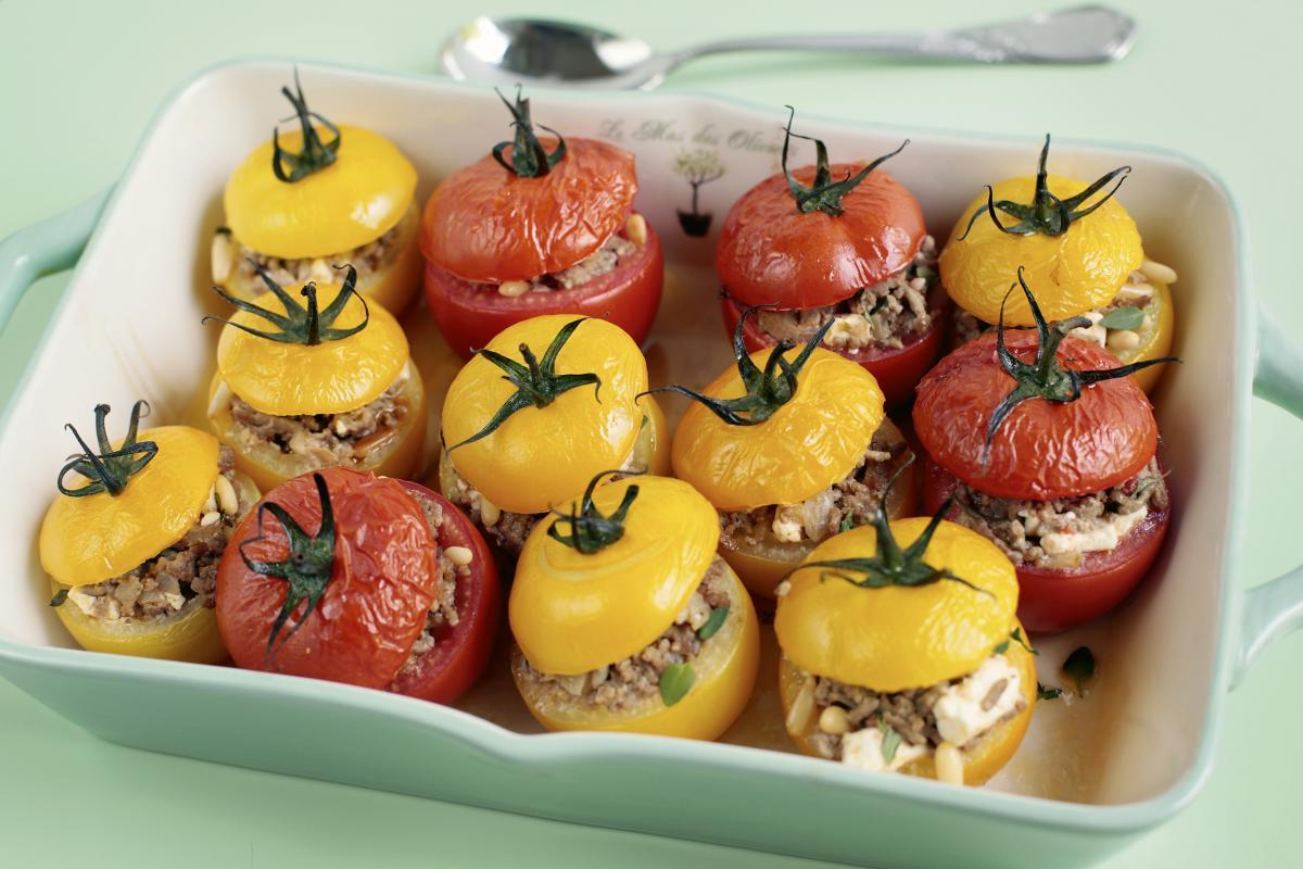 REZEPT: Gefüllte Tomaten | NZZ Bellevue