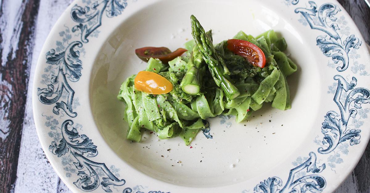 Pâtes vertes, pesto asperges et ail des ours - Qblog