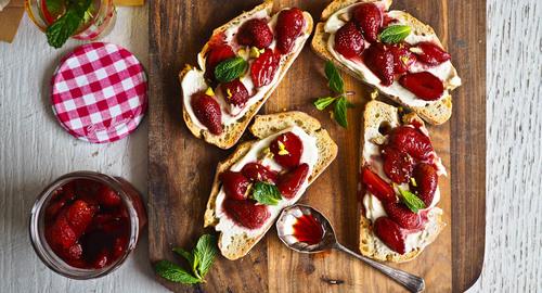 Brunchtime roasted strawberry breakfast bruschetta