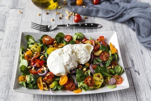 Rezept bunter tomatensalat mit burrata nzz bellevue