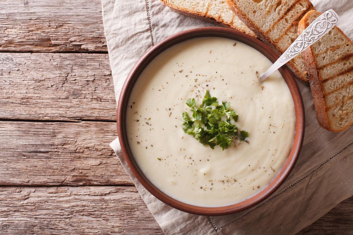 Rezepte: Blumenkohlsuppe | NZZ Bellevue