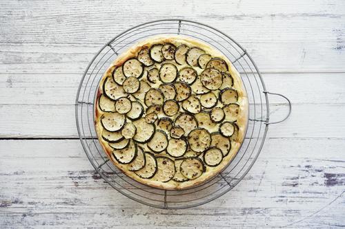Rezept zucchetti tarte mit ricotta und minze nzz bellevue