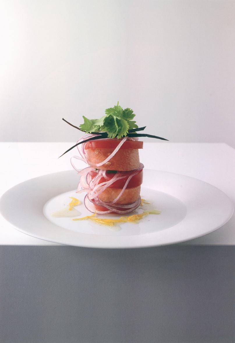 Rezept: Tomaten-Wassermelonen-Salat mit Zitronen-Vanille-Dressing | NZZ Bellevue